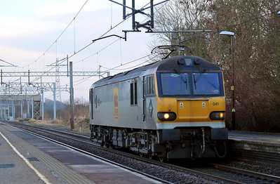 Class 92 No 92041 at Acton Bridge on 17 January 2011 with the 0L48 14:30 Crewe EMD - Garston Yard (running 5 min early)