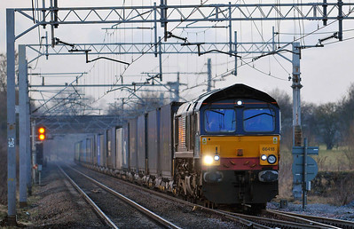 Class 66 No 66418 at Acton Bridge on 17 January 2011 with the 4M44 05:45 Coatbridge - Daventry (running 2 min early)