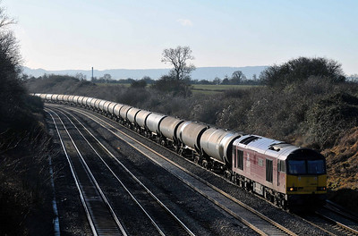 """Class 60 No 60040 """"The Territorial Army Centenary"""" at Standish Junction on 18 January 2011 with the 6E41 11:41 Westerleigh - Lindsey O.R. (running 2 min late)"""