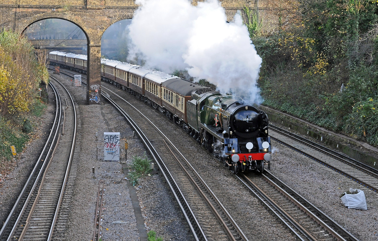 ...who were waiting for this, 35028 Clan Line, masquerading as 35017 Belgian Marine, on the VSOE Surrey Hills lunch train from Victoria, the Bournemouth Belle or Golden Arrow lives!