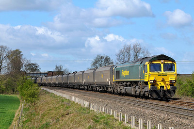 Class 66 No 66511 at Heck Ings Crossing on 9 April 2011 with the 6H67 12:20 Kellingley Colliery - Drax Power Station (running 37 min early)