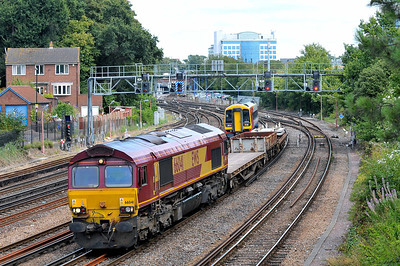 Class 66 No 66041 at Southampton on 9 August 2011 with the 6V41 14:45 Eastleigh East Yard - Westbury Down T.C. (running 4 min early)