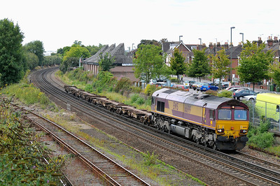 Class 66 No 66199 at Eastleigh on 9 August 2011 with the 6B44 12:07 Southampton Western Docks - Eastleigh East Yard (running 42 min early)