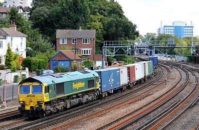 Class 66 No 66518 at Southampton on 9 August 2011 with the 4O54 06:15 Leeds F.L.T. - Southampton Maritime (running 5 min late)