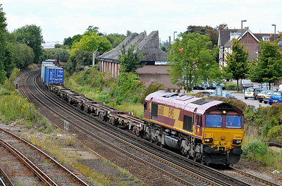 Class 66 No 66081 at Eastleigh on 9 August 2011 with the 4M66 09:32 Southampton Western Docks - Birch Coppice  (running 12 min late)