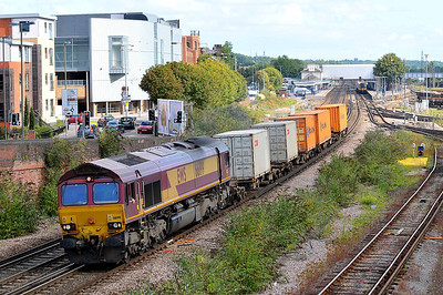 Class 66 No 66199 at Eastleigh on 9 August 2011 with the 6B43 09:38 Eastleigh East Yard - Southampton Western Docks (running 4 min late)