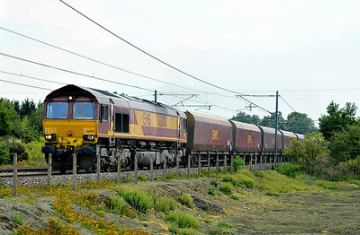 Class 66 No 66008 at Heck on 1 August 2011 with the 6H07 16:46 Immingham Dock HIT - Drax Power Station (running 3 min early)