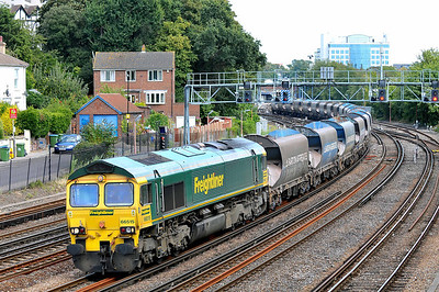 Class 66 No 66515 at Southampton on 9 August 2011 with the 6O49 10:51 Neasden - Wool MOD Sidings (running 2 min early)
