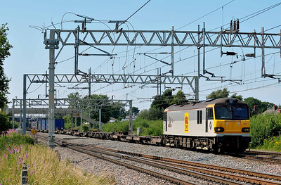 Class 92 No 92022 at Acton Bridge on 14 July 2011 with the 4M63 09:00 Mossend - Hams Hass Reception (running 3 min early)