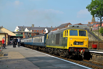 Class 35 No D7076 at Bury on 2 July 2011