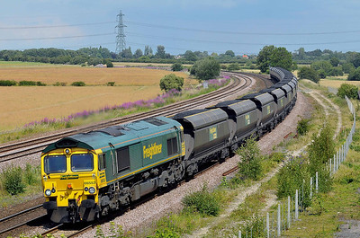 Class 66 No 66553 at Burton Salmon on 9 July 2011 with the 6R12 11:45 Immingham - Drax Power Station