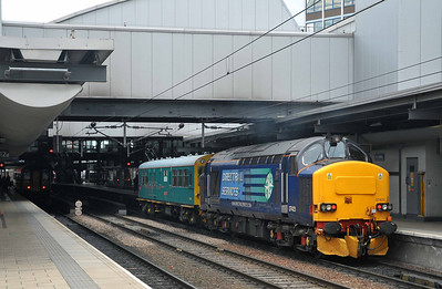 "Class 37 No 37423 ""Spirit of the Lakes"" at Leeds Station on 8 June 2011 with the 2Z02 09:03 York - York (running 1 min late)"