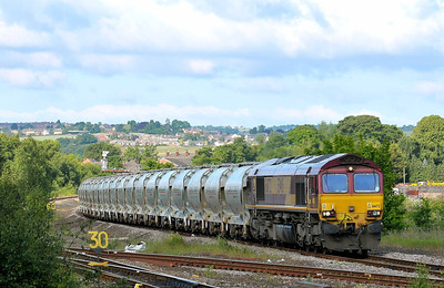 Class 66 No 66172 at Horbury Junction on 11 June 2011 with the 6F70 05:36 Clitheroe - Leicester (running 7 min early)