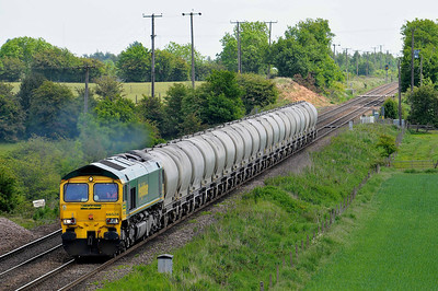 Class 66 No 66528 at Whitley Bridge on 21 May 2011 with the 6Z46 12:18 Drax Power Station - Crewe Basford Hall (running 11 min early)