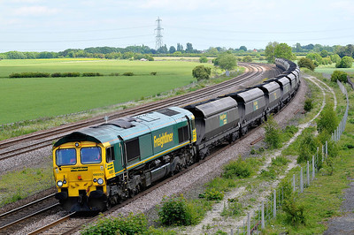 Class 66 No 66553 at Burton Salmon on 21 May 2011 with the 6Y15 09:57 Immingham -Eggborough Power Station (running 3 min early)