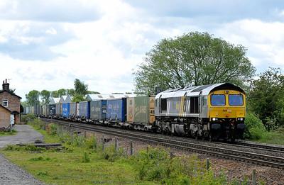 Class No 66304 at Sherburn-in-Elmet on 14 May 2011 with the 4S49 07:10 Daventry - Grangemouth (running 8 min early)