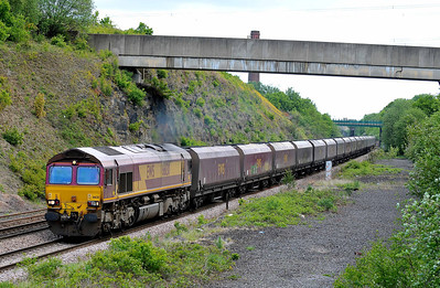 Class No 66130 at Normanton on 14 May 2011 with the 6M59 01:14 New Cumnock - Ratcliffe Power Station (running 9 min late)