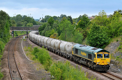 Class 66 No 66620 in Horbury Cutting on 23 May 2011 with the 6M89 09:50 Dewsbury - Earles Sidings (running 4 min early)