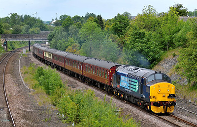 "Class 37 No 37229 ""Jonty Jarvis 8-12-1998 - 18-3-2005"" in Horbury Cutting on 28 May 2011 with the 1Z73 06:07 Birmingham International - Newcastle (running 7 min late)"