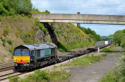Class No 66417 at Normanton on 14 May 2011 with the 4M16 04:58 Grangemouth - Daventry (running 2 min early|)