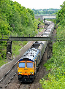"Class No 66710 ""Phil Packer BRIT"" at Oakenshaw Junction on 13 May 2011 with the 4R52 12:55 Drax Power Station - Wakefield Wrenthorpe Sidings (running 5 min early)"