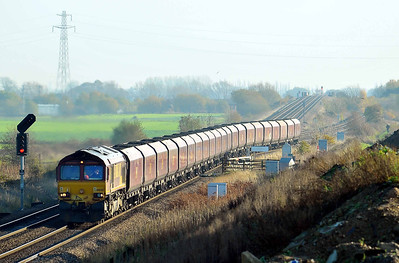 Class 66 No 66020 at Hambleton West Junction on 12 November 2011 with the 6H85 06:39 Immingham Dock HIT - Drax Power Station (running 49 min late)