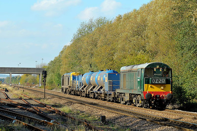 Class 20 No 20189 + 20142 at Gascoigne Wood on 22 October 2011 with the 3S14 11:29 Sheffield - York Yorks (via Hull) (running on time)