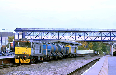 Class 20 No 20901 + 20905 at Selby on 24 October 2011 with the 3S21 14:53 York Works - Gilberdyke (running 6 min early)