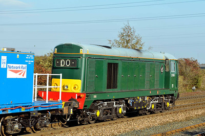 Class 20 No 20189 at Stourton on 3 October 2011 with the 3S21 14:53 York Works - Gilberdyke (running 1 min early)
