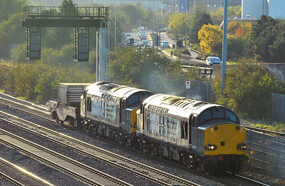 Class 37 No 37069/37059 at Washwood Heath on 28 September 2011 with the 6M67 14:02 Bridgewater FD - Crewe CLS (diverted)