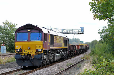 Class 66 No 66109 at Horbury Junction on 17 September 2011 with the 6Z60 08:00 Doncaster Up Decoy - Crewe Basford Hall (running 61 min late)