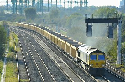 Class 66 No 66615 at Washwood Heath on 28 September 2011 with the 6M40 11:56 Westbury Yard - Stud Farm (running 1 min late)