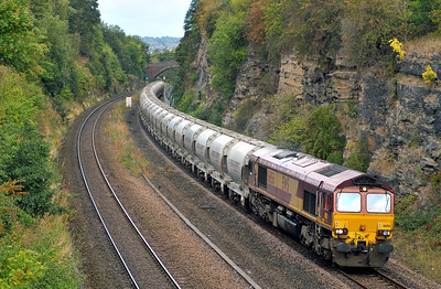 Class 66 No 66156 in Horbury Cutting on 17 September 2011 with the 6F70 05:36 Clitheroe - Leicester (running 3 min early)