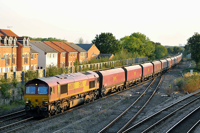 Class 66 No 66080 at Church Fenton on 15 September 2011 with the 4S91 14:15 Cottam Power Station - New Cumnock (running 6 min early)