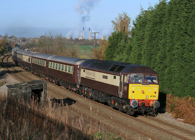 Just a record shot,too much shadow and sun head-on....47790 & 47832 in charge of the 'Northern Belle' pass through Sandygate lane with the diverted 5Z41 on their way back to Crewe.06/11/2011.