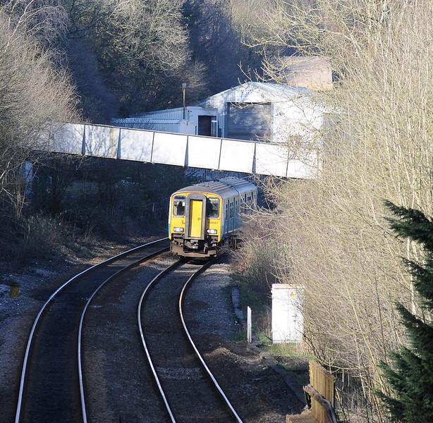 Unfortunately the shadows were lengthening, 150297 approaching on the 14:32 Bargoed to Penarth.