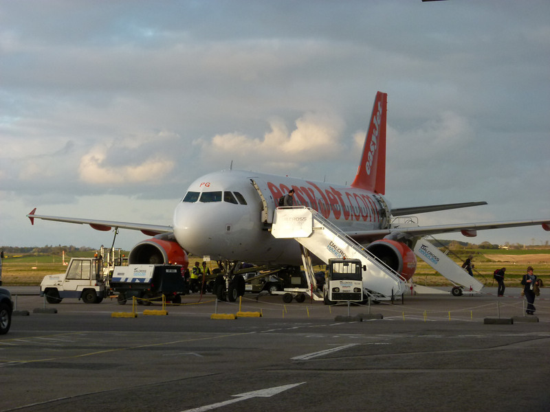 Easyjet - Inverness Airport