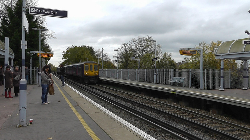 Class 319 - Catford