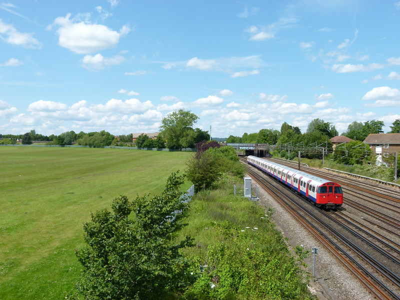 72ts - South Kenton (Conway Gardens Footbridge)