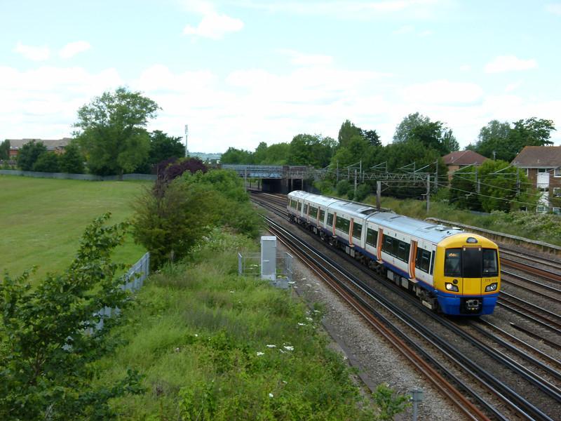 378215 - South Kenton (Conway Gardens Footbridge)