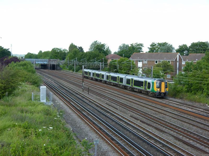 350109 - South Kenton (Conway Gardens Footbridge)