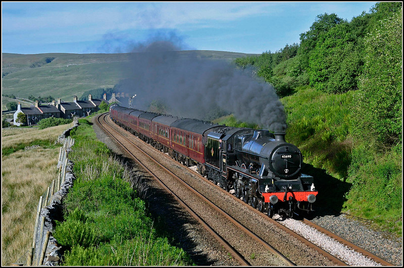 2018 06 05.45690  'Leander' puts  on a fine show of clag through Garsdale,on the 16.34 Carlisle-York 'Dalesman'.