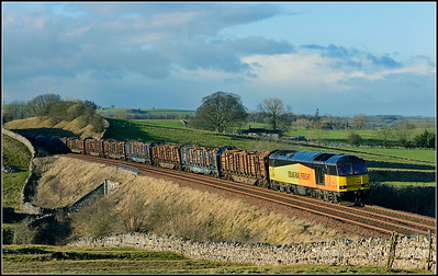 2018 01 29.60096 on the 6J37 Carlisle-Chirk Kronospan loaded timber at Waitby.