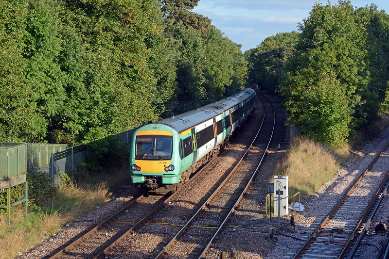 ...which curves away south-eastward towards Edenbridge whilst the relaid down East Grinstead  line heads off due south