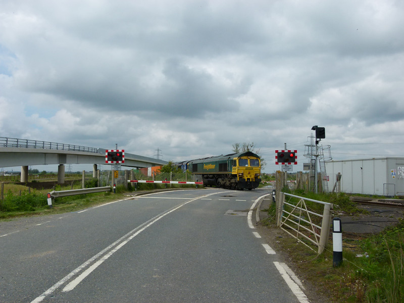 Freightliner 66505 & 66414 (Still in de-branded Stobart Rail livery) - Stone Level Crossing (Isle of Grain)