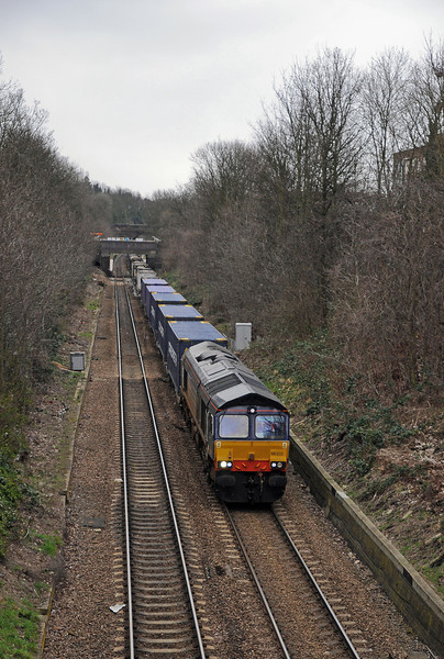 At Ormond Road the Daventry bound 4M71 with former Fastline 66303 up front