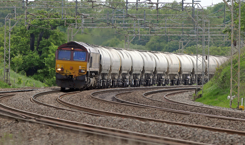 The 4M12 was followed by 66188 on the 6H50 empty cement tanks to Tunstead.