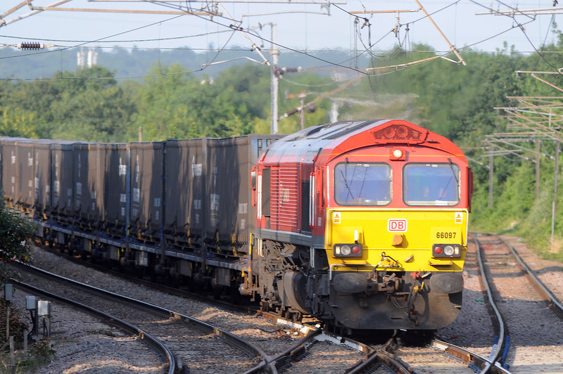 Followed a bit later still by 66097 on the return working to Dollands Moor (7O81), almost 12 hours to the minute since I had shot the eastbound counterpart. About now these trains become more erratic on account of summer shutdowns or reduced working at Silla and Dagenham.