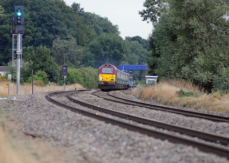 Also running late (about 10 minutes) was the 17:50 Marylebone to Banbury, here behind 67023.