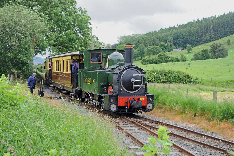 The original passenger cars of the Welshpool & Llanfair were built by Pickerings of Wishaw. The replicas were built at the Ffestiniog's Boston Lodge works.